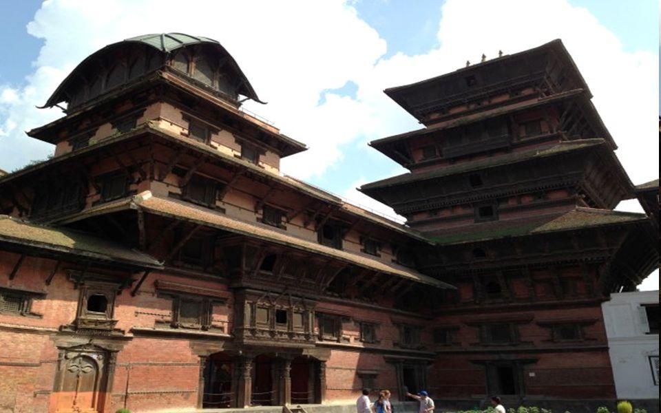 1000 yaşına yaklaşmasına rağmen; hala çürümemiş ve Yıkılmadan ayakta kalabilmiş Tahta Tapınaklar,