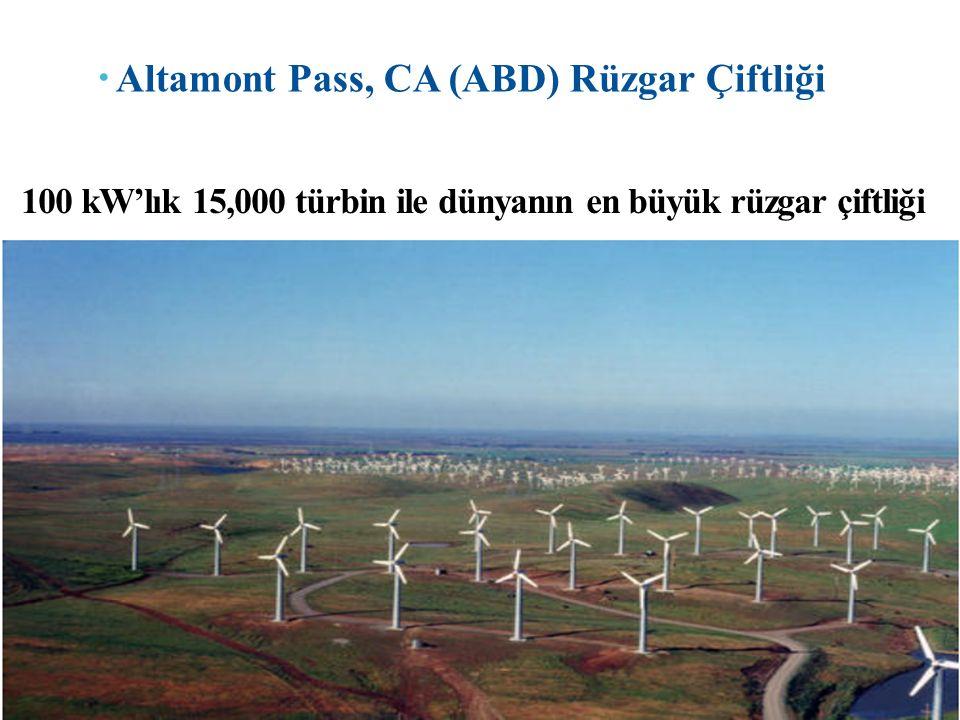  Altamont Pass, CA (ABD) Rüzgar Çiftliği 100 kW'lık 15,000 türbin ile dünyanın en büyük rüzgar çiftliği