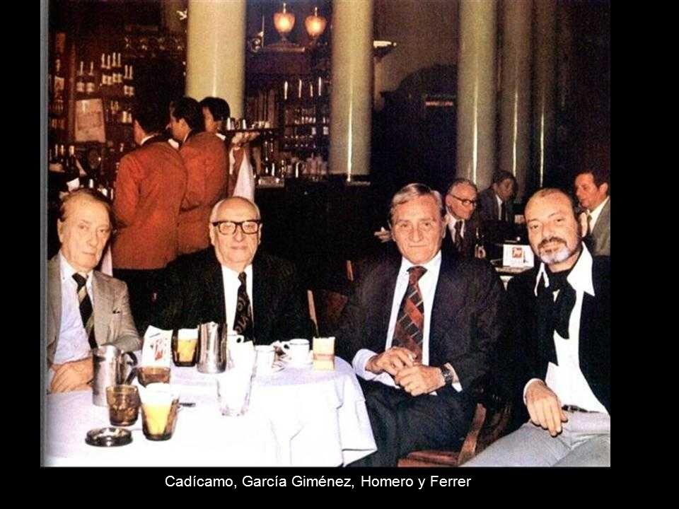 """Alberto Castillo en """"La barra de la esquina"""" Enrique Santos Discépolo (1901-1951) Autor del emblemático tango """"Cambalache"""""""