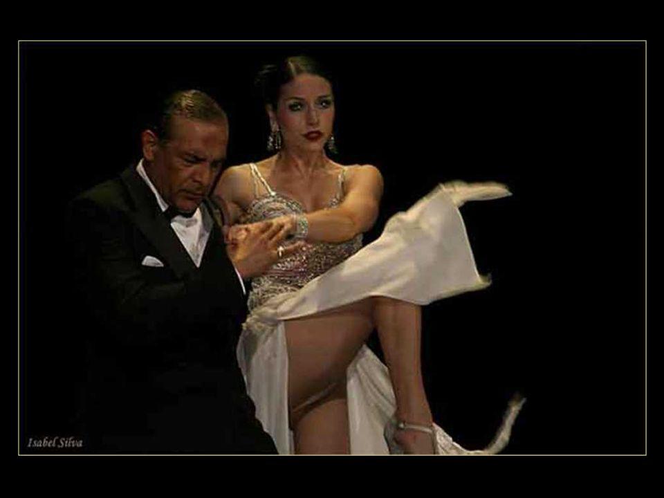 LA CUMPARSITA Letra de Pascual Contursi y Enrique P.Maroni Música: Gerardo H.Matos Rodríguez Versión de 1924 Si supieras que aún dentro de mi alma conservo aquel cariño que tuve para ti....