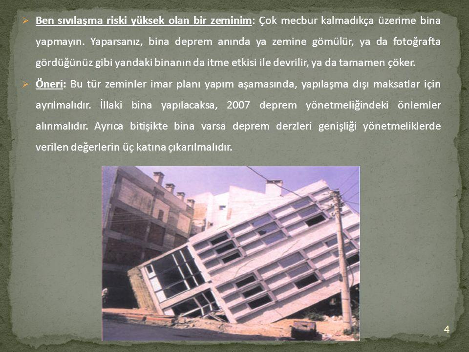 15  Bu fotoğrafta düğüm noktalarında filiz ve bindirme boylarının yetersiz olmasından dolayı deprem anında kirşler kolonlardan ayrılarak bitişik binanın içerisine girdiği görülmektedir.