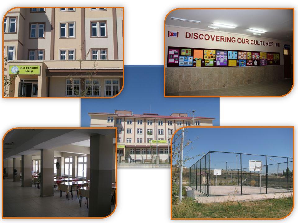 Okul şehir merkezine 4 km uzaklıktadır.