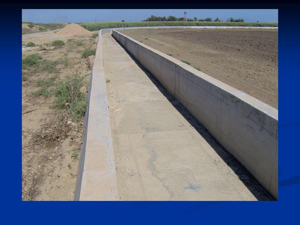 c) Fazla eğimli kanal (şüt): Suyun yüksek hızda hareket ettiği ve derinliğin önemli oranda azaldığı nispeten uzun su yapılarına şüt denilmektedir d) Düşü: Hızın aşırı yükseldiği ve derinliğin azaldığı çok kısa su yapılarına düşü denilmektedir.Şüt yapılarının kısa bir mesafede oluştuğu yapay su yolunun bir parçasıdır.