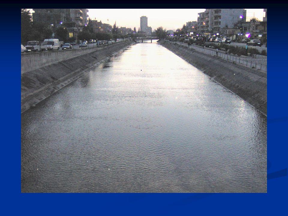 e) Menfez: Karayolu, demir yolu ve bazı durumlarda su yolları altından geçen su yollarıdır.