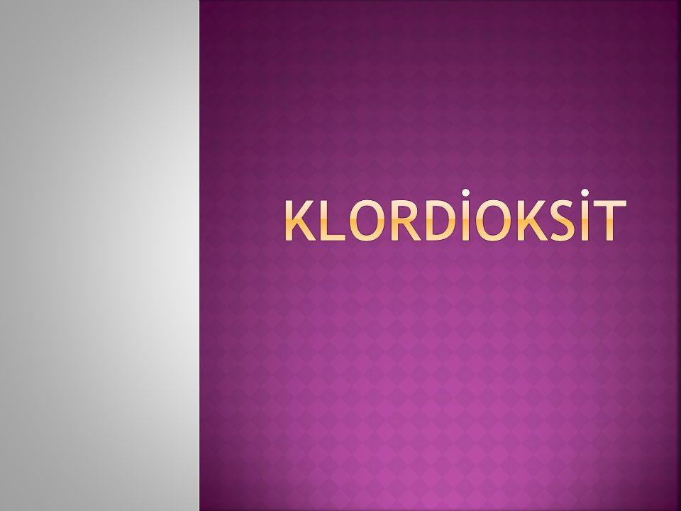  Klor dioksit (ClO2) ilk olarak Sir Humphrey Davey tarafından on dokuzuncu yüzyılın başlarında hazırlanmıştır (1811).
