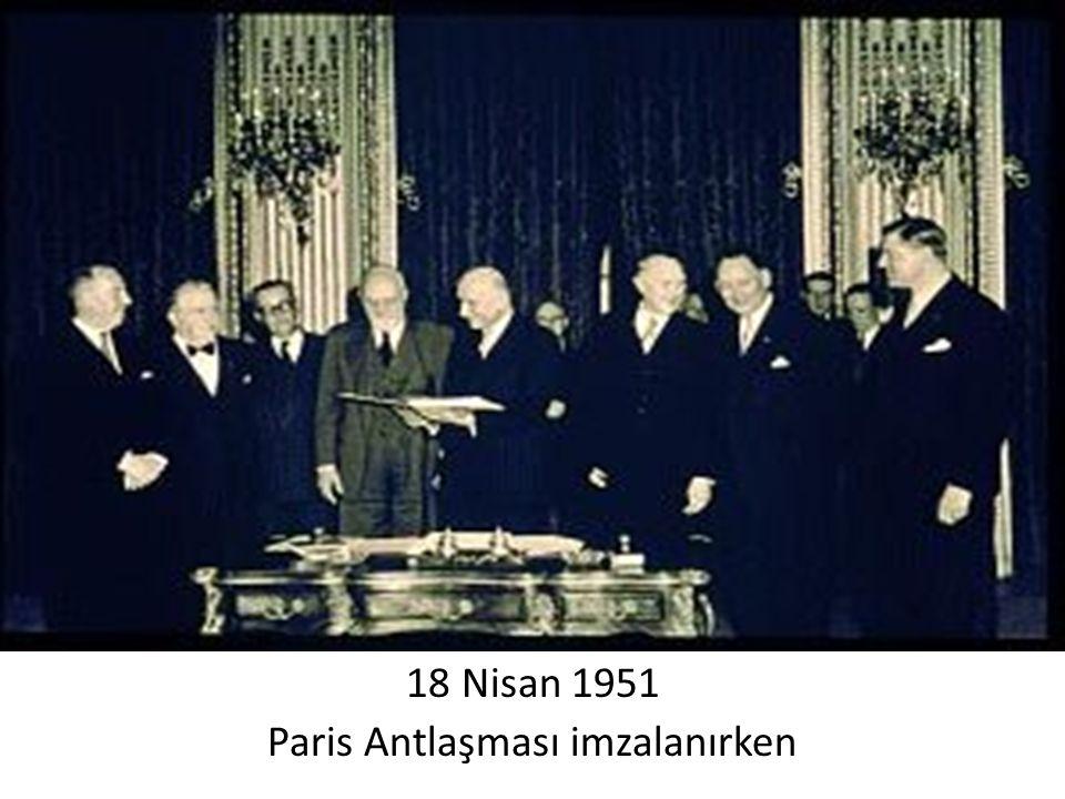 18 Nisan 1951 Paris Antlaşması imzalanırken