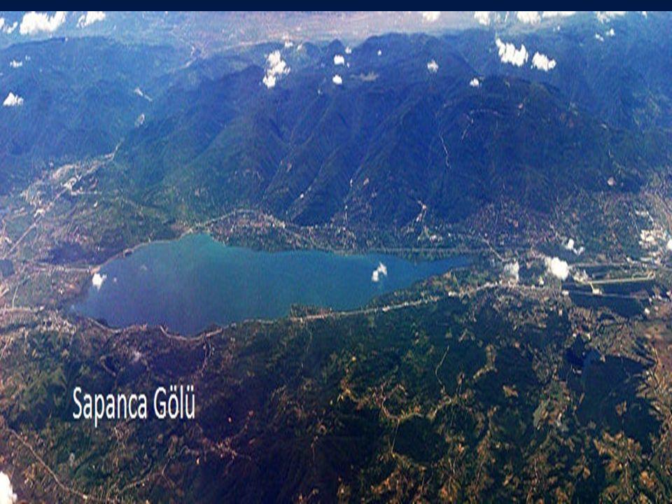 A2.Karstik Göller: Karstik bölgelerdeki çukurlukları dolduran durgun sulardır.