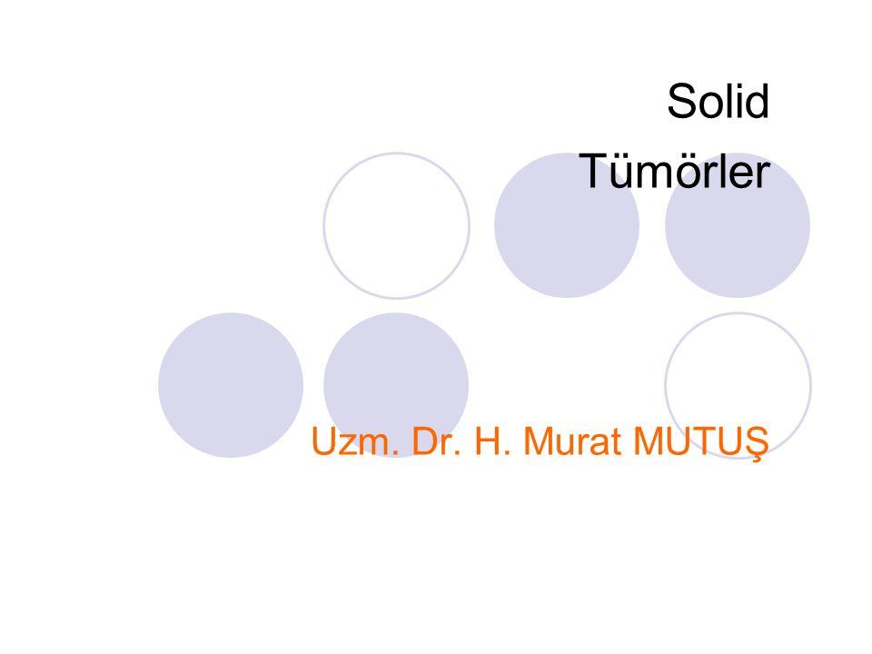 Germ Hücre Tümörlerinin Karşılaştırmalı Klinik Prezentasyonları TÜMÖRYAŞ%SEMPTOMLARBULGULARPATOLOJİ Ekstragonadal SakrokoksigealBebek41Konstipasyon, mesane veya alt ekstremitede nörolojik anormallikler Presakral kitle%65 benign, %5 immatür %30 malign Mediastinal2 yaş altı6Öksürük, weezing, dispneAnterior mediastinal kitleBenign veya malign Abdominal5Bası ağrısına sekonder, genitoüriner obstSıklıkla retroperitonealBenign veya malign İntrakranialÇocukluk6Baş ağrısı, inkoordinasyonPineal veya supraselüler tümörler; serebrospinal sıvıda AFP veya HCG Herhangi tip germ hücreli tümör Baş ve boyunBebek4Bası ile ilgili; solunum veya yutma güçlüğüBüyük kitleGenellikle benign Vajina3 yaş altı1Kan boyalı vajinal akıntıVajinadan polipoid kitleGenellikle malign Gonadal Ovarian10-14 yaş29Abdominal ağrı, bulantı, kusma, konstipasyon, genitoüriner semptomlar Abdominal pelvik kitle, %50sinde kalsifikasyon, sıklıkla AFP veya HCG; gebeliği taklit edebilir Herhangi tip germ hücreli tümör TestikülerBebek, post- pubertal 7Testisi ağrısız şişliği, ağrılı torsiyonTestiküler kitle; bebeklerde akciğere metastaz Herhangi tip germ hücreli tümör; %82 malign, %18 benign; bebekte çoğunlukla yolk sac tümörler