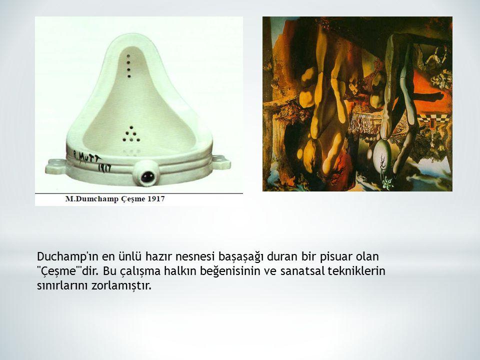 Duchamp'ın en ünlü hazır nesnesi başaşağı duran bir pisuar olan
