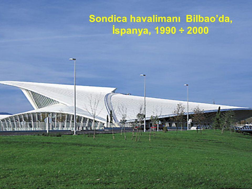 La Rioja, simge yapı Laguardia, Álava, İspanya, Santiago Calatrava şaraba alamet-i farika olacak, simge bir yapı oluşturmak istiyordu. Bu yapı aynı za