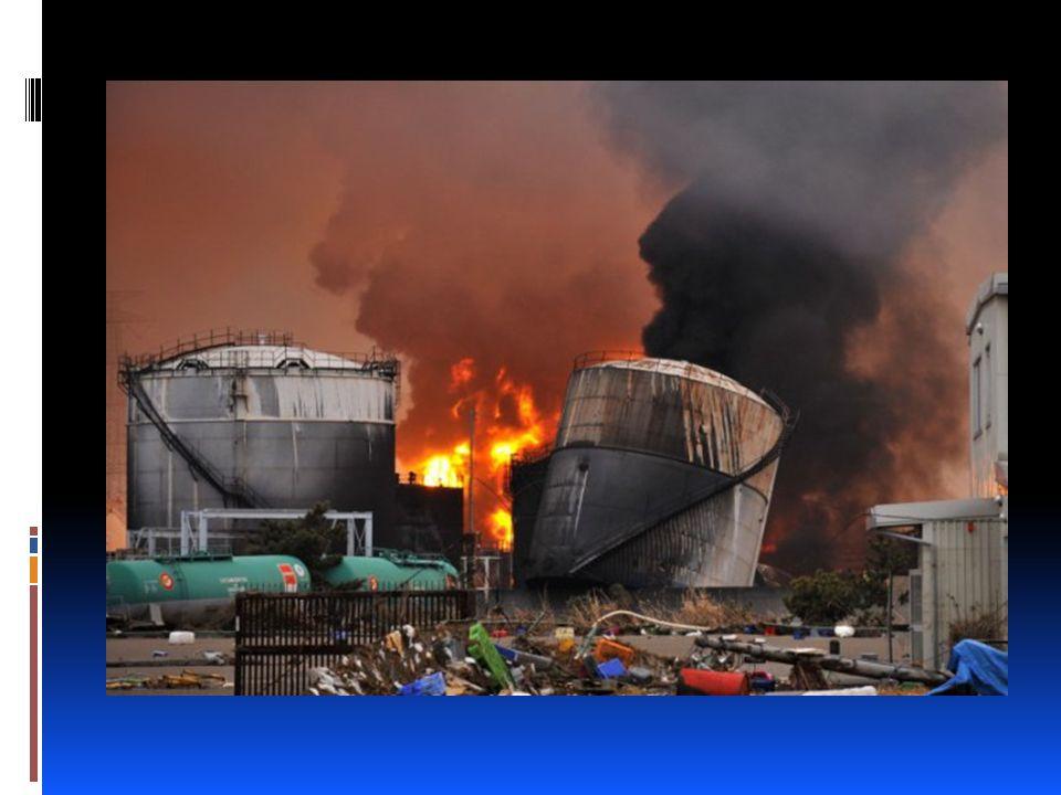 o Nükleer reaktörlerin inşaası sırasında bir hata olabilir ve sonra bu büyük bir nükleer kazaya meydan verebilir.