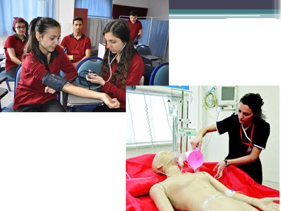 HEMŞİRE YARDIMCISI  Hareket kısıtlılığı olan hastalarda uygun görülen pozisyonu verir.