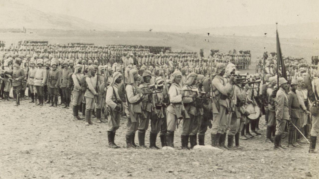 K utul Amare de 13 bin İngiliz askeri ile 500 e yakın içinde generalin de bulunduğu subay büyük bir kuşatmadan sonra esir alındı.