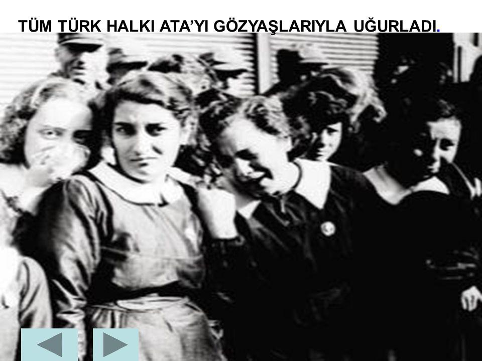 ATATÜRK'ÜN CENAZESİ ANITKABİR'E TAŞINIRKEN