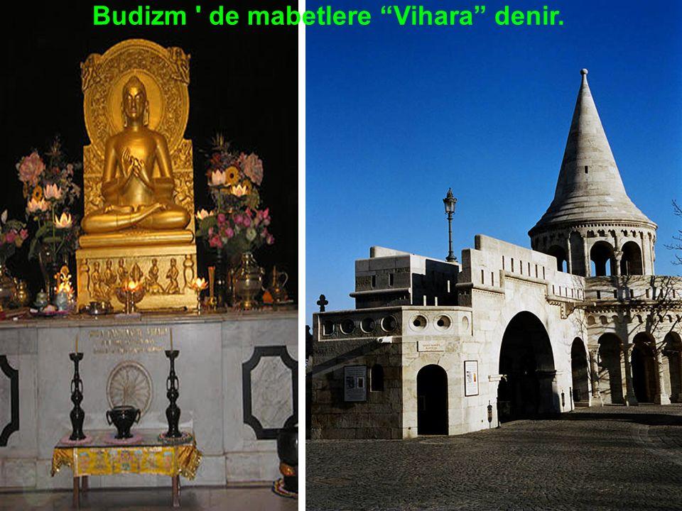 İbadet Stupa denilen mabetlerde yapılır. Stupalar helezoni yapıda inşa edilmiştir.