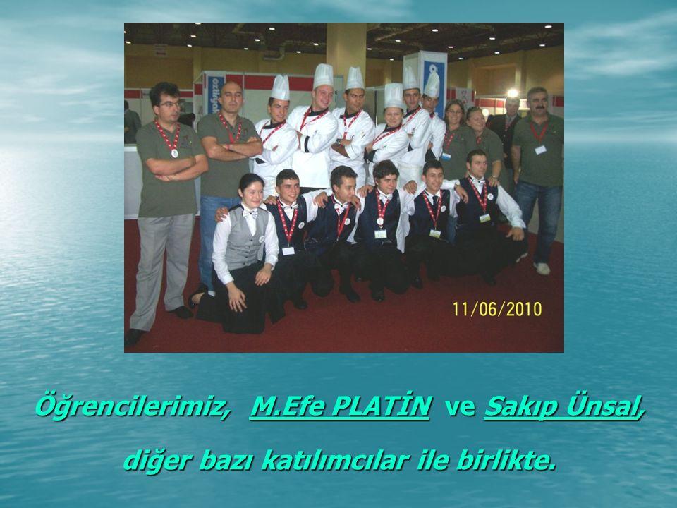 Öğrencilerimiz, M.Efe PLATİN ve Sakıp Ünsal, diğer bazı katılımcılar ile birlikte.