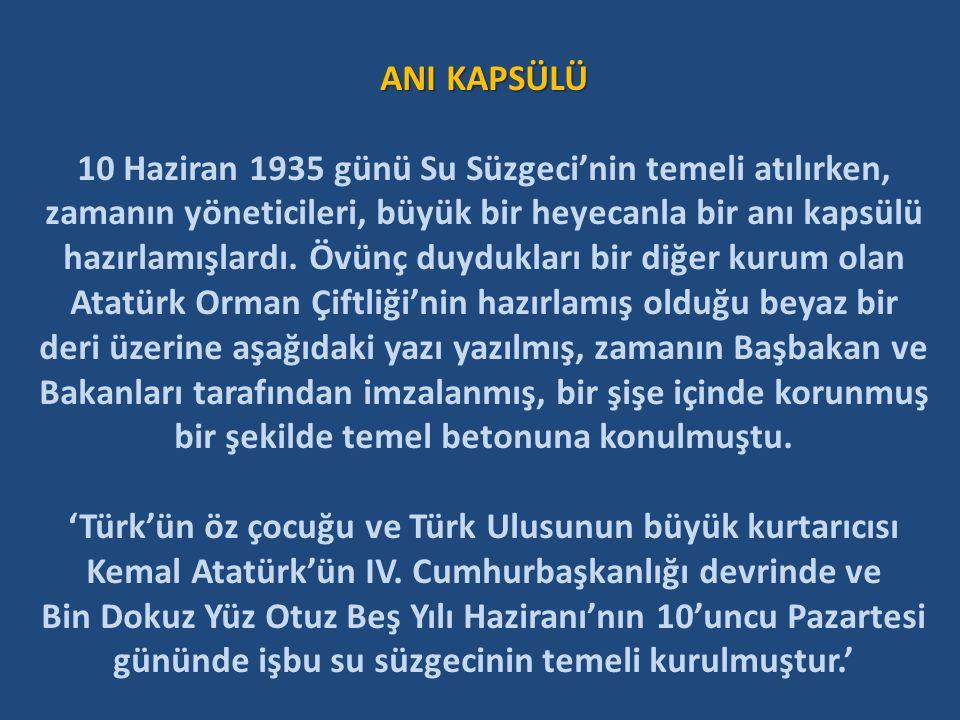 Başbakan İsmet İNÖNÜ deri üzerine yazılı metni imzalıyor. 13 Haziran 1935 Cumhuriyet