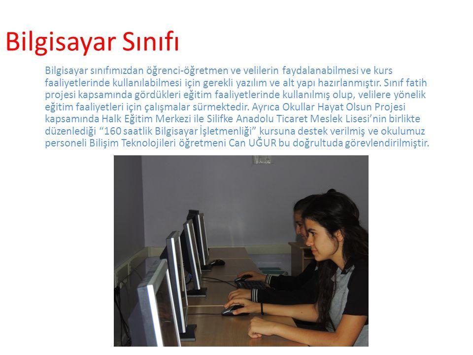 Bilgisayar Sınıfı Bilgisayar sınıfımızdan öğrenci-öğretmen ve velilerin faydalanabilmesi ve kurs faaliyetlerinde kullanılabilmesi için gerekli yazılım ve alt yapı hazırlanmıştır.