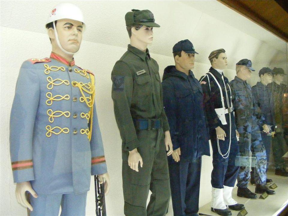 Hava Kuvvetleri Havacılık Müzesinin resmi sitesine girerek, müzenin tarihi, Türk havacılığı, Dünya Havacılığı ve daha bir çok konuda bilgi sahibi olab