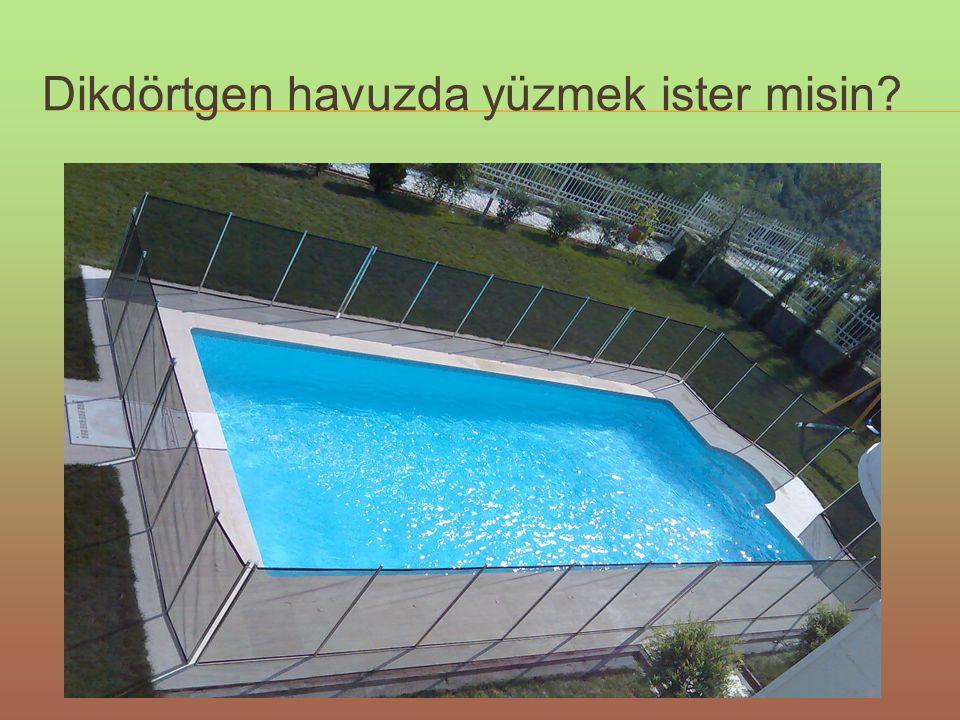 Dikdörtgen havuzda yüzmek ister misin?