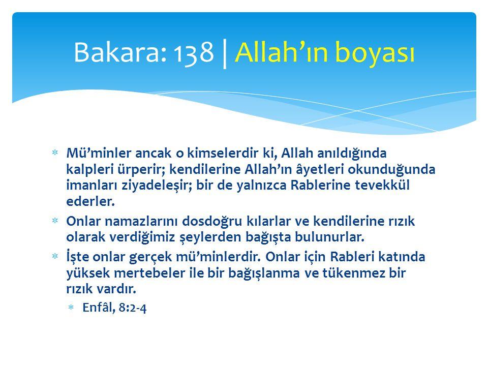  Mü'minler ancak o kimselerdir ki, Allah anıldığında kalpleri ürperir; kendilerine Allah'ın âyetleri okunduğunda imanları ziyadeleşir; bir de yalnızc