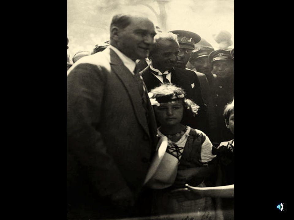 """"""" Mustafa Kemal sosyalist değil, fakat görülüyor ki iyi bir teşkilatçı, yüksek anlayışlı, ilerici ve iyi düşünceli, akıllı bir lider. Mustafa Kemal, s"""