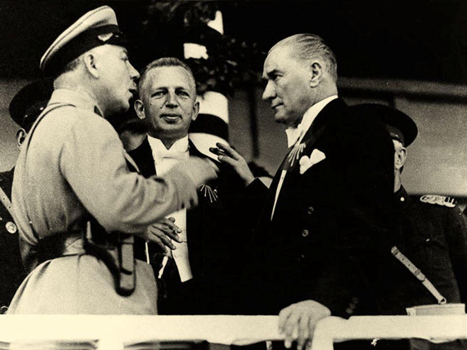 Büyük Atatürk'ün ufulünden dolayı teessürümüz o derece derin ve sonsuzdur ki, bunu ifade etmek için kelime bulamıyorum. Çünkü Atatürk, yalnız Türkiye'