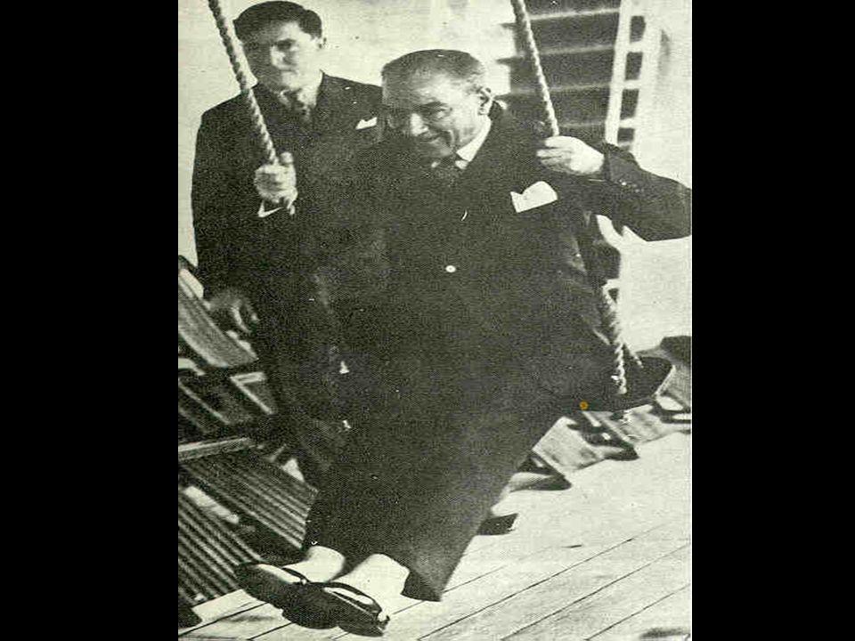 Atatürk'ün Karnesi