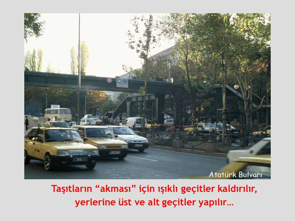 """Atatürk Bulvarı Taşıtların """"akması"""" için ışıklı geçitler kaldırılır, yerlerine üst ve alt geçitler yapılır…"""
