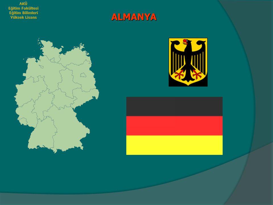  Alman öğretmen yetiştirme sisteminde, asıl önemli görülen ve başarıda en önemli ölçütü oluşturan öğretmen adaylarının derslerde sundukları özel çalışma ve projeler (Referate) dir.
