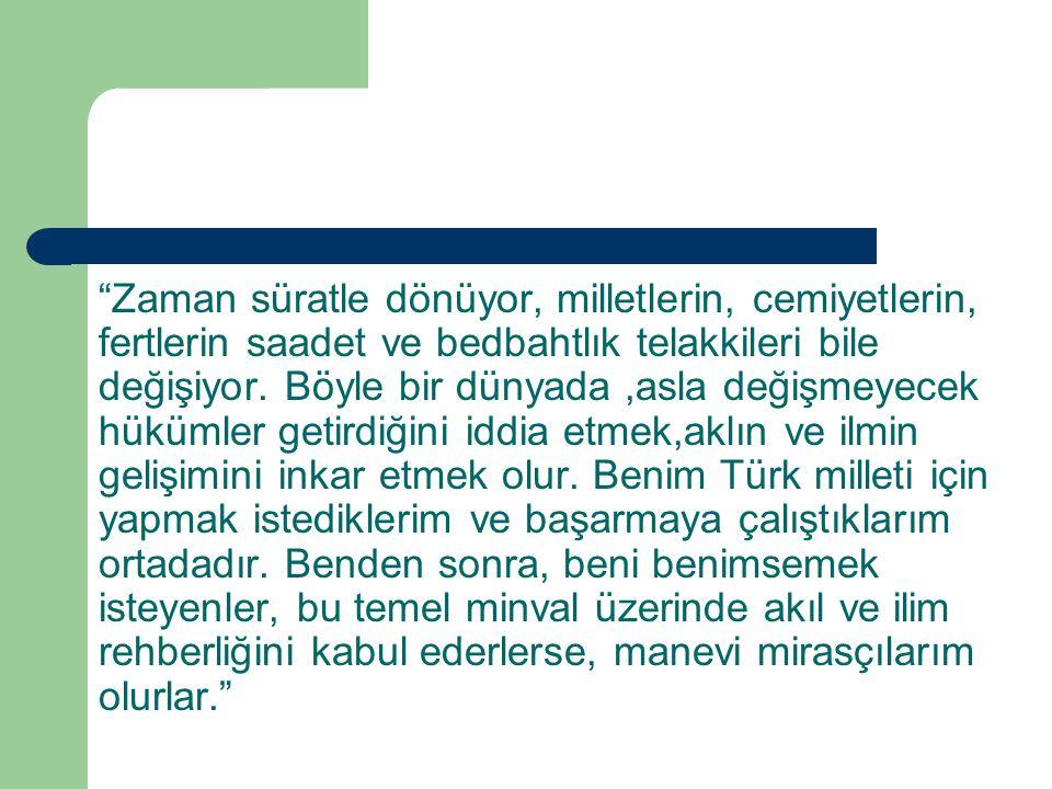 ABD den siyaset bilimci Rustow diyor ki Nutuk'un verdiği izlenimin aksine, Atatürk'ü lider kılan şaşmaz ileri görüşlülüğü değil, tükenmez fikri icat kabiliyetidir.
