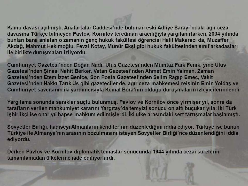 24 Şubat 1942'de, Ankara'da ekmek karneyle dağıtılır, geceleri karartma uygulanır, sokaklarda farları mavi boyalı araçlar dolaşır, bekçiler ışık sızan
