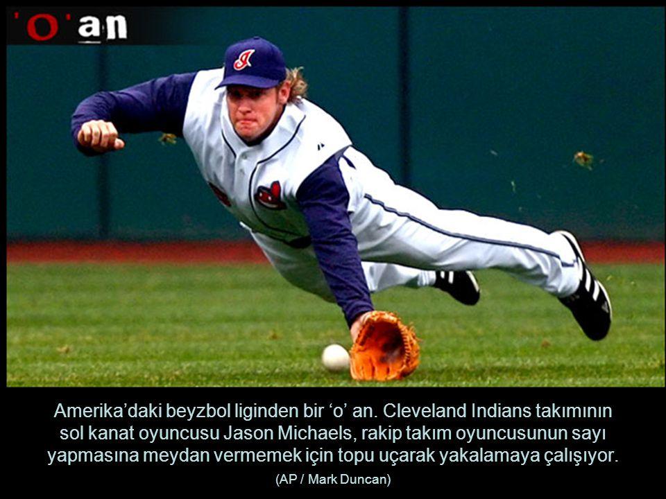 Amerika'daki beyzbol liginden bir 'o' an.