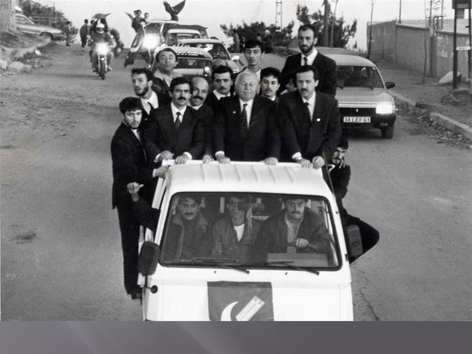  Refah Partisi, Kasım 1987 de yapılan milletvekili erken genel seçimlerine Necmettin Erbakan başkanlığında girdi.