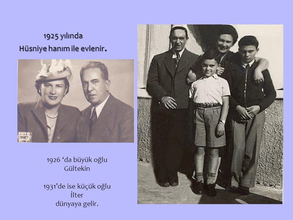 1925 yılında Hüsniye hanım ile evlenir.