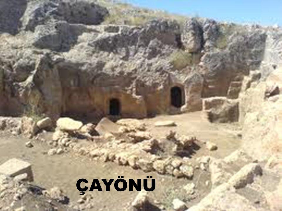  Çanakkale-Truva  Yozgat- Alişar  Çorum - Alacahöyük  bu dönemin birer medeniyet merkezleridir  Truva'da dokuz kat  Alişar ve Alacahöyük 'te beşer kat kültür tabakaları (Hattiler)  Asurlu'ların ticari pazaryerleri ( Karum )  Anadolu yazılı döneme geçiş yaptı