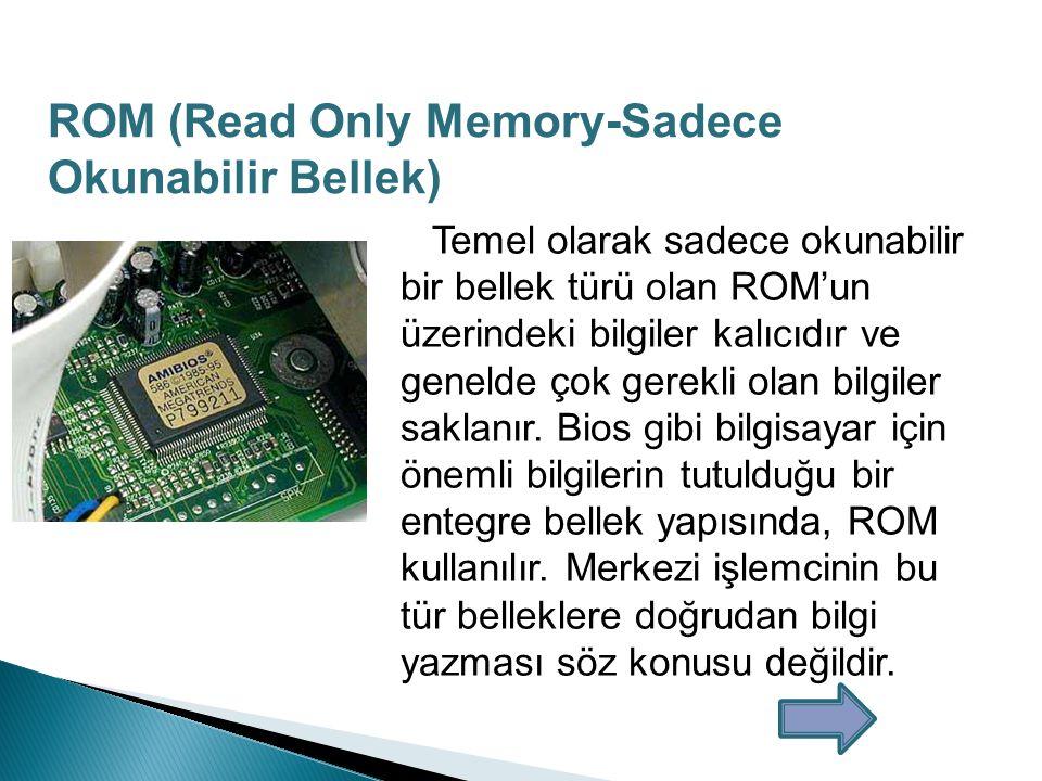 Üretilen ilk yazılabilir RAM olan Manyetik Çekirdek Hafıza 1951 de Harvard Üniversitesi MIT laboratuvarlarında tasarlandı.