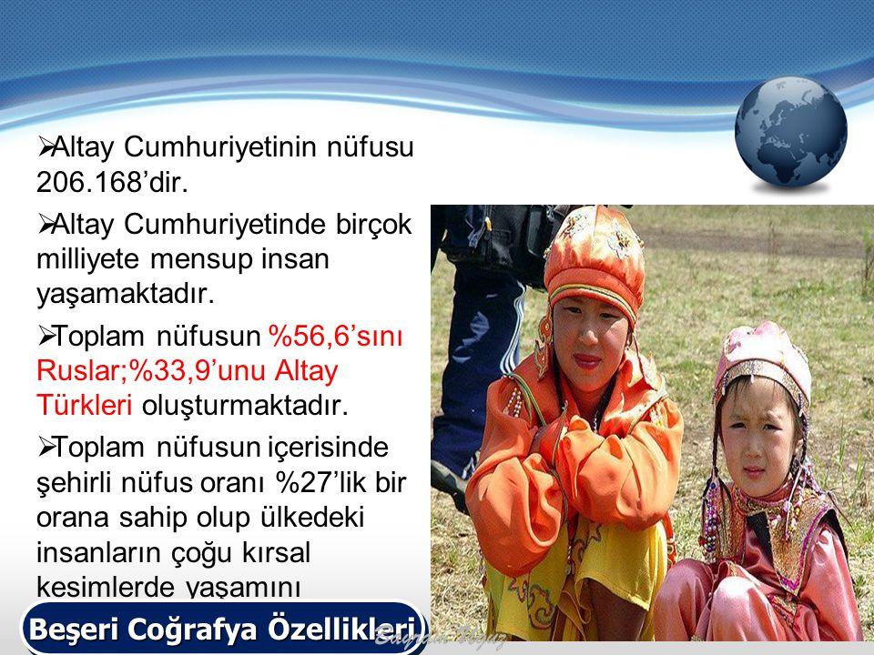  Altay Cumhuriyetinin nüfusu 206.168'dir.  Altay Cumhuriyetinde birçok milliyete mensup insan yaşamaktadır.  Toplam nüfusun %56,6'sını Ruslar;%33,9