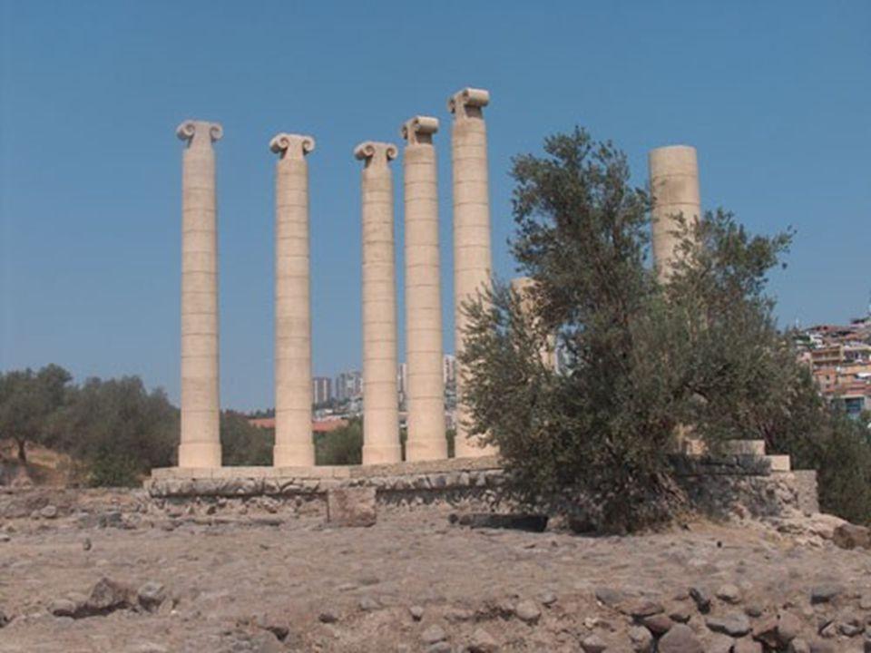 AGORA İzmir, Roma İmparatorluğu döneminde önem kazanmış ve ticaret kenti olma özelliğini geliştirmiştir.