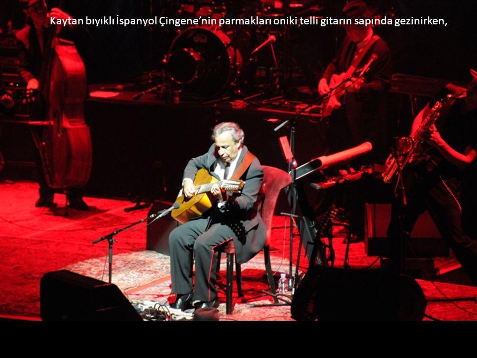 Yıl 2009. Yer İstanbul Harbiye Açıkhava Tiyatrosu.