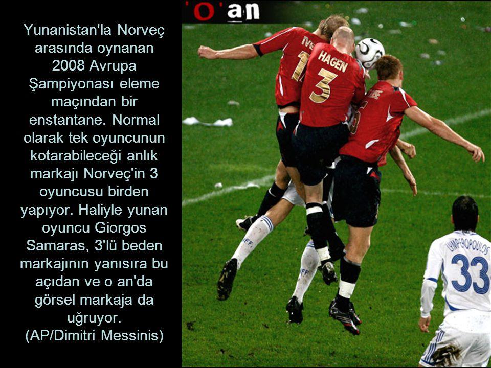 Yunanistan la Norveç arasında oynanan 2008 Avrupa Şampiyonası eleme maçından bir enstantane.