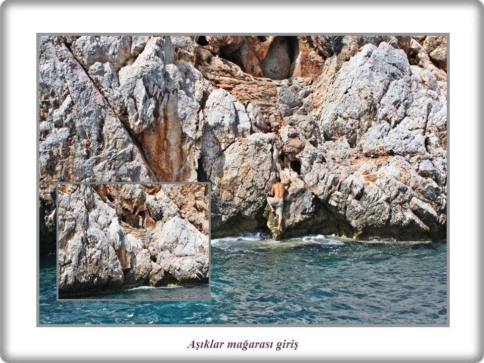 AŞIKLAR MAĞARASI Tarihi yarımadanın, denize yakın yamacında iki girişli bir mağaradır.