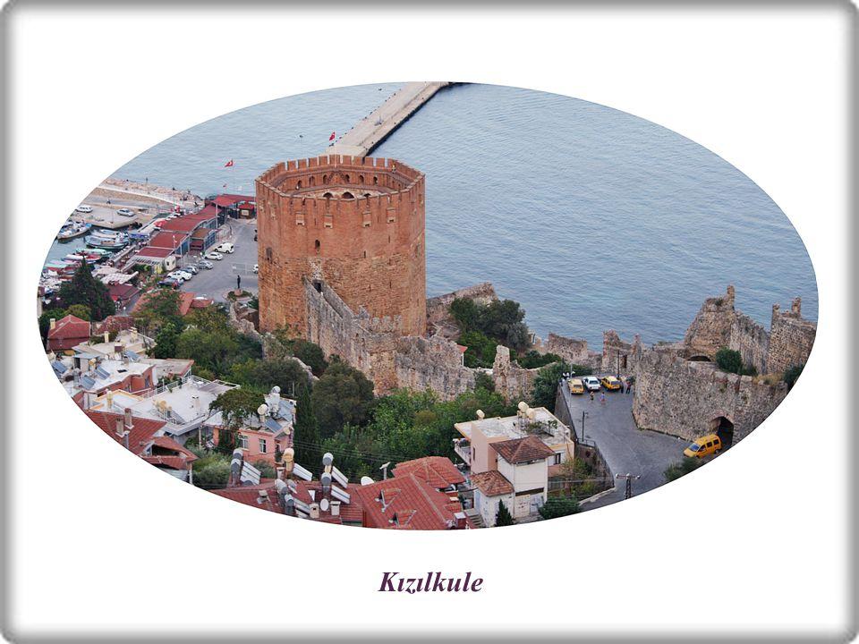 KIZILKULE Limandadır.Kentin sembolü olan sekizgen planlı yapı 13.