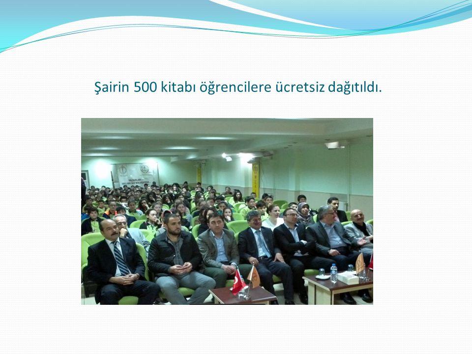 Şairin 500 kitabı öğrencilere ücretsiz dağıtıldı.