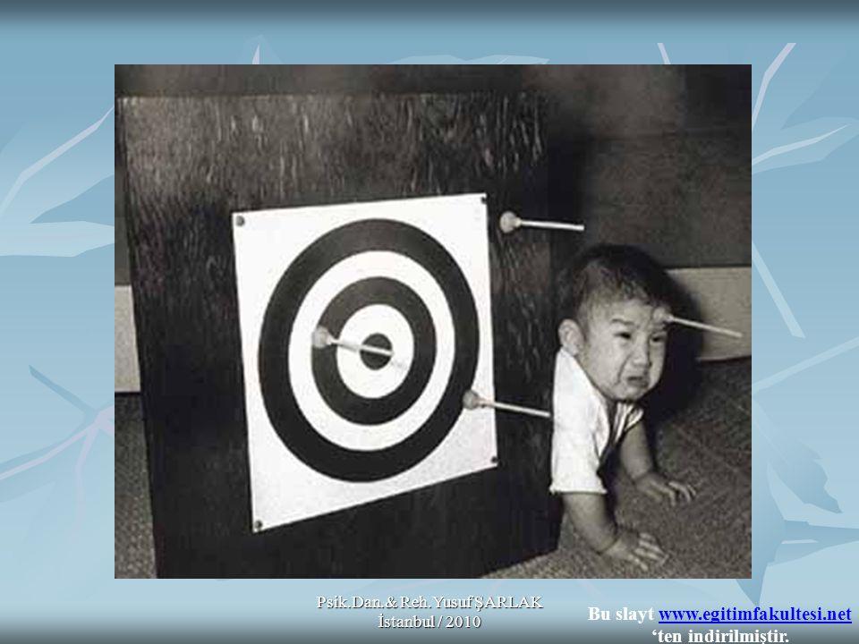 Psik.Dan.& Reh.Yusuf ŞARLAK İstanbul / 2010 A) B) Bir öğrencinin bütün cevaplarının okunması ve sonunda öğrenci hakkındaki izlenimler de dikkate alınarak tümüne birden bir puan verilmesi C) D) E) Bir öğretmen yalnızca okuduğunu anlama becerisini ölçmede kullanılacak bir yazılı sınav hazırlamak istemektedir.