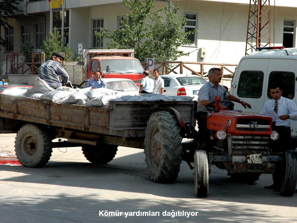 Kömür yardımları dağıtılıyor