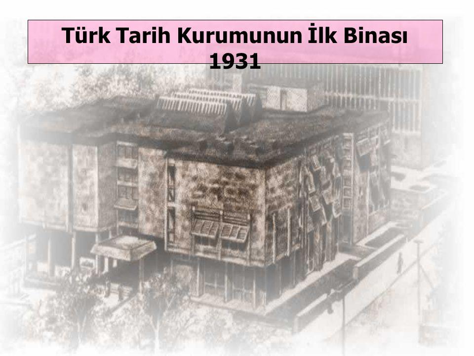 Atatürk, devleti en uygar milletlerin düzeyine çıkarmak için önce tarihini bilmesi ve bunun içinde onu ilk kaynaklardan kendisinin araştırarak öğrenme