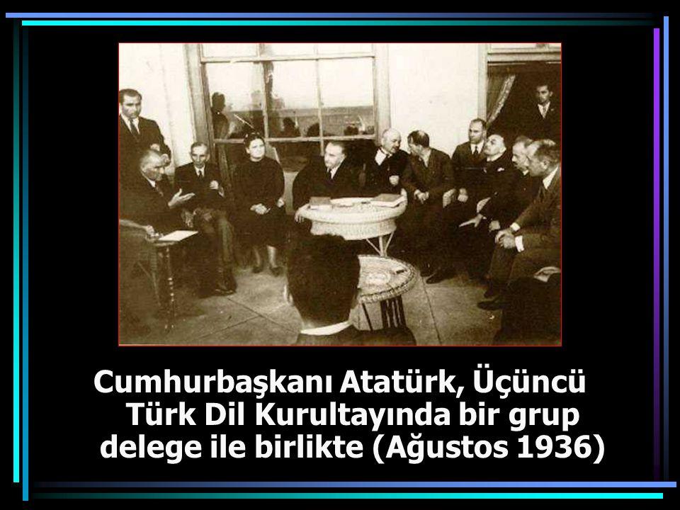 Cumhurbaşkanı Gazi Mustafa Kemal, İkinci Türk Dil Kurultayında (18 Ağustos 1934)