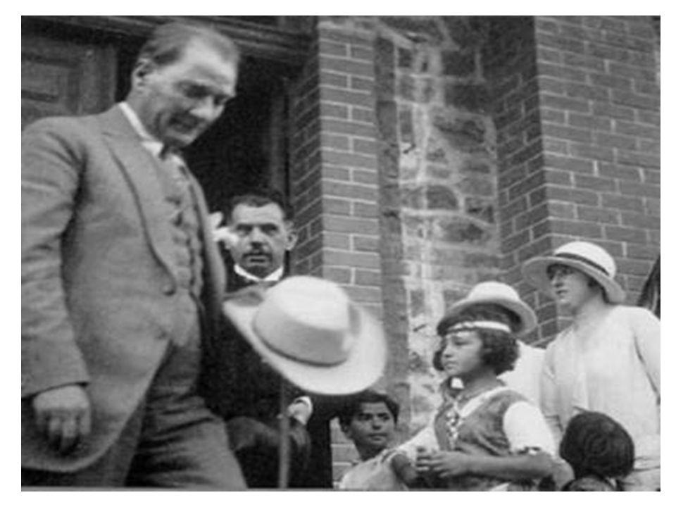 Libre Belqique (Belçika) • Milletine bu kadar az zamanda bu ölçüde hizmet edebilen tek devlet adamı Atatürk tür.