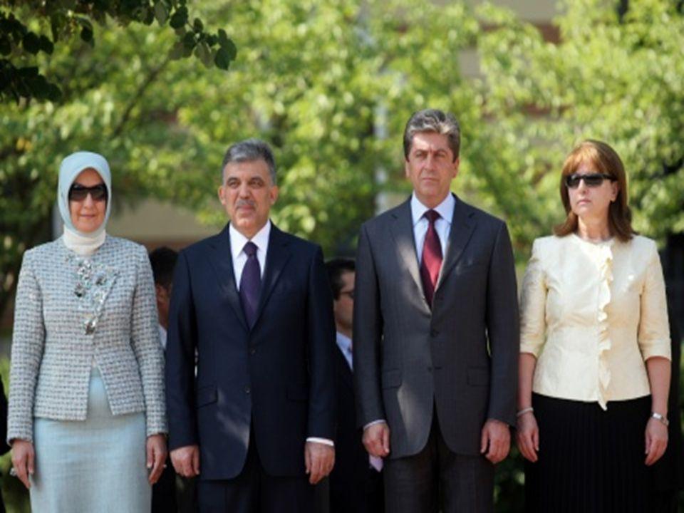 Bulgaristan da Türk siyasetçi Ahmet Doğan a suikast girişiminde bulunuldu.